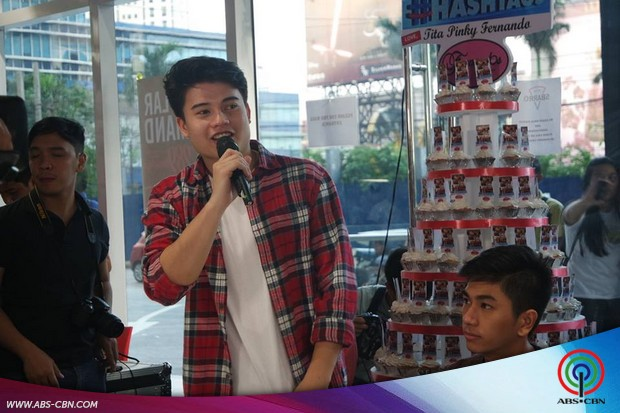 Hashtags Fans Day