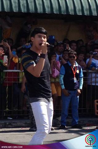 PHOTOS: Enchong, bigay-todo sa kanyang performance sa Sikhayan Festival sa Laguna