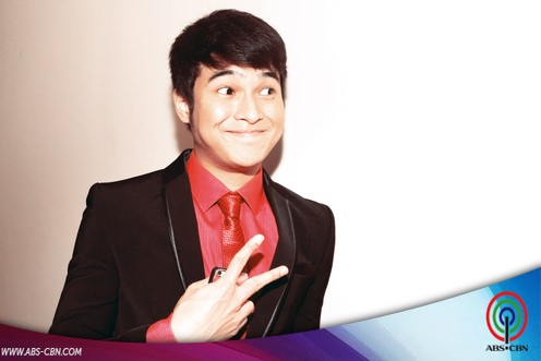 LOOK: Jerome Ponce's crazy poses on Kapamilya Face Off