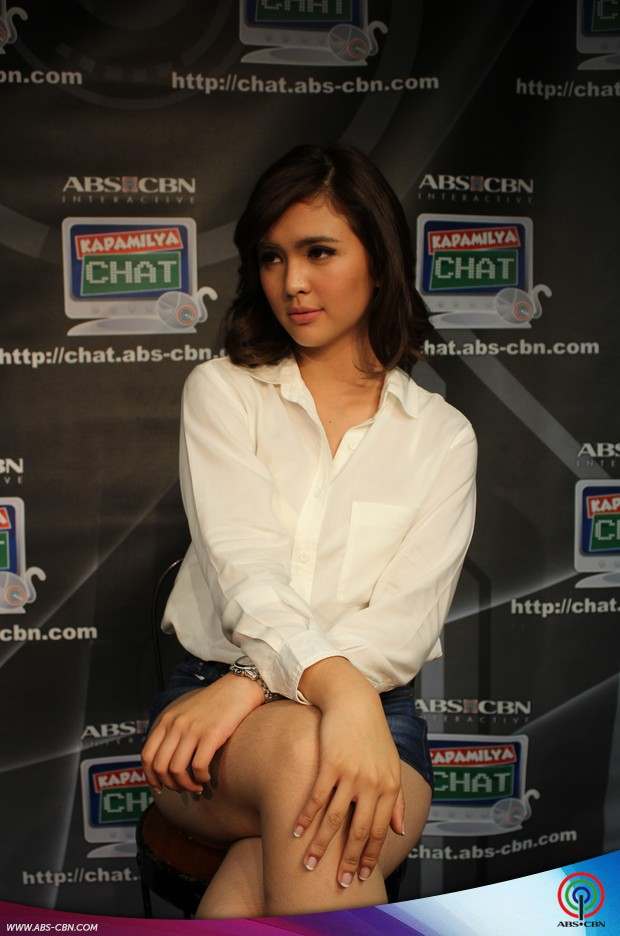How to look perfectly beautiful in stolen shots by Sofia Andres