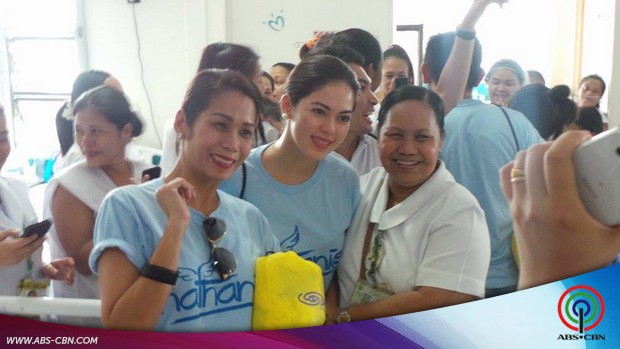 Gerald, Shaina, Pokwang and Jayson surprised the new born babies and their moms