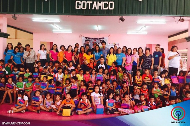 Joshua bonds with the students of Gotamco Elementary School