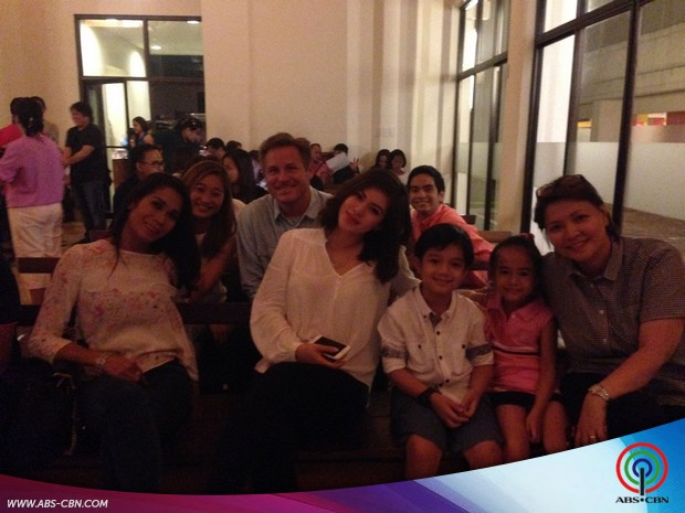 Full force ang cast ng Nathaniel sa kanilang Thanksgiving celebration