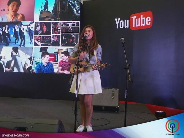 Renee at the YouTube Fan Fest