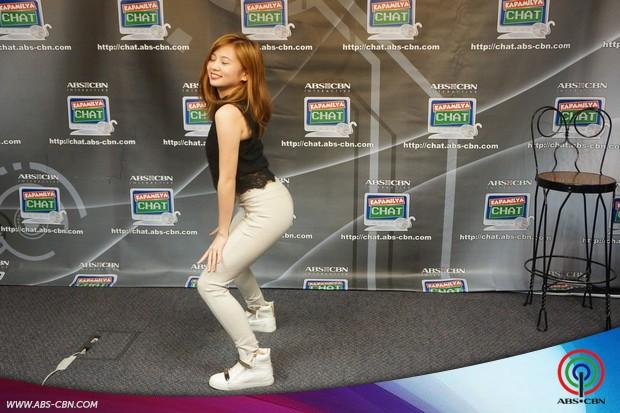 PHOTOS: Ella Cruz nagpakita ng kanyang trending dance moves sa Kapamilya Chat