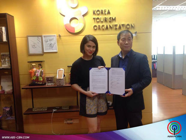 Jessy at the Korea Tourism Organization Contract Signing