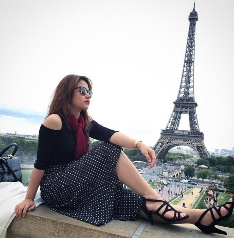 34 photos of Kristel that will make you visit Europe