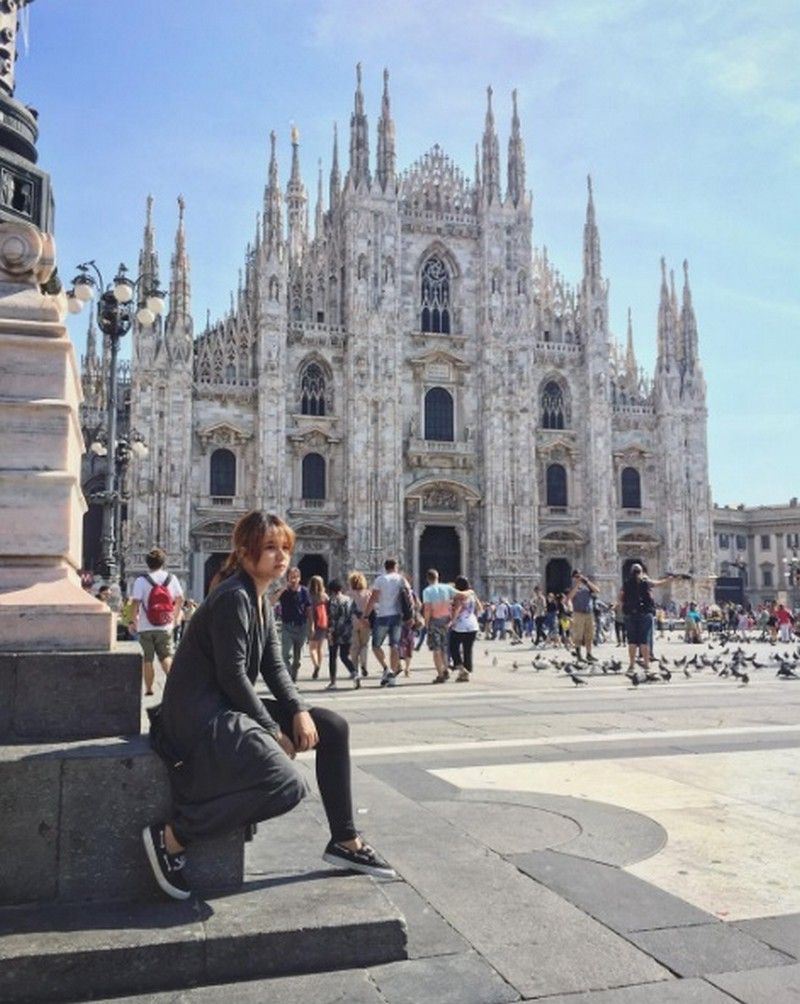 34 photos of Kristel that will make you visit Europe