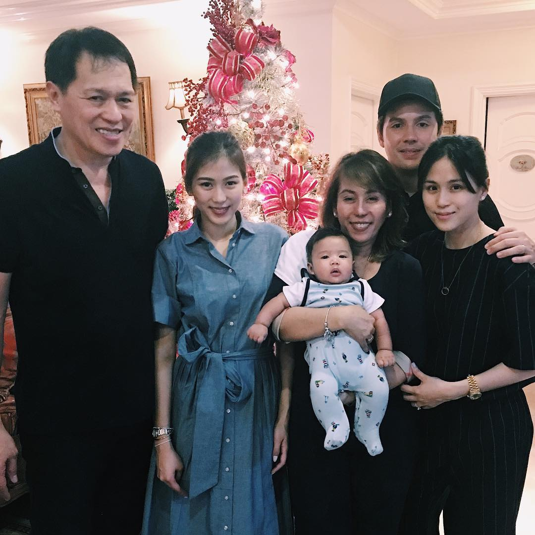 Celebrities & their family photos that you probably haven't seen before!