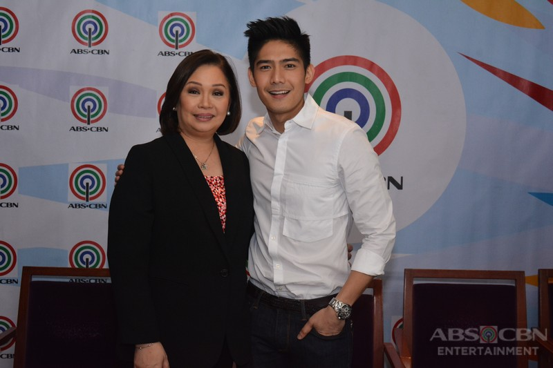 PHOTOS: Robi Domingo signs contract with ABS-CBN