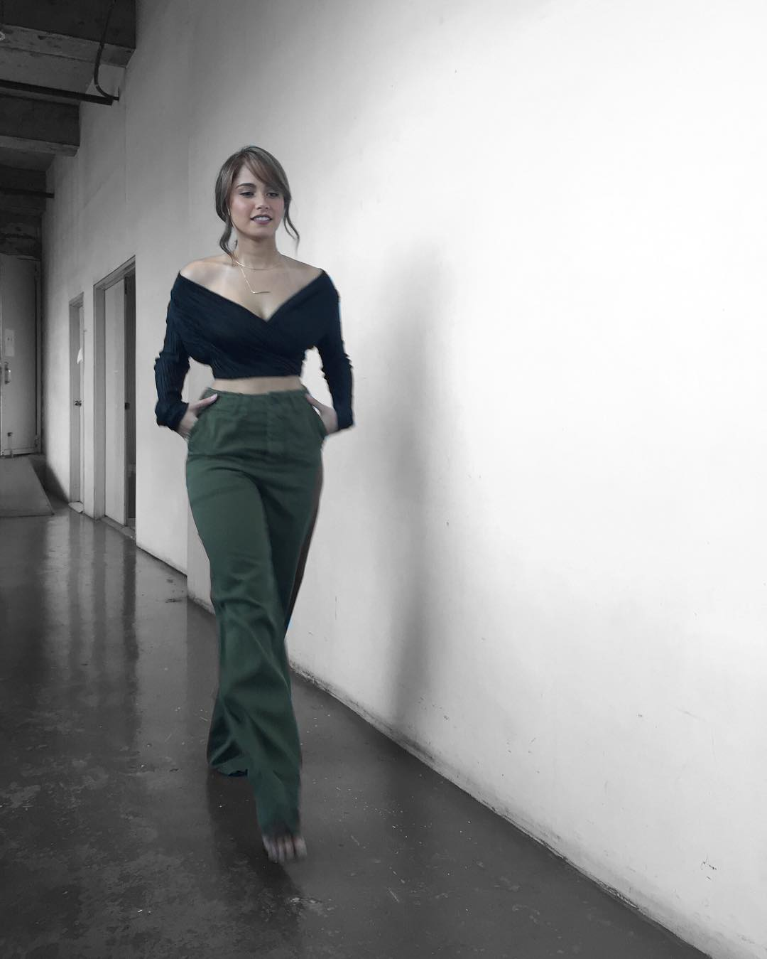 "30 Star Magic Artists will show you how to nail the crop top ""look"""