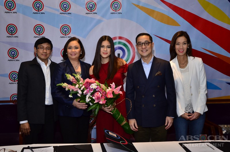 PHOTOS: Shaina Magdayao signs her new contract with ABS-CBN