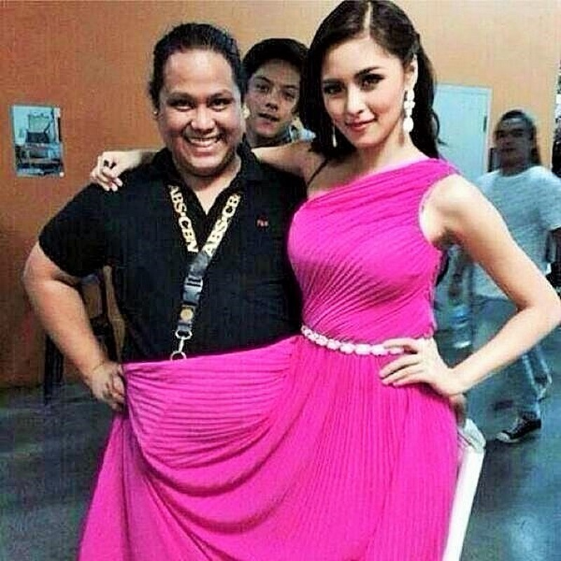 "75 celeb ""photobomb"" moments that will make you LOL"