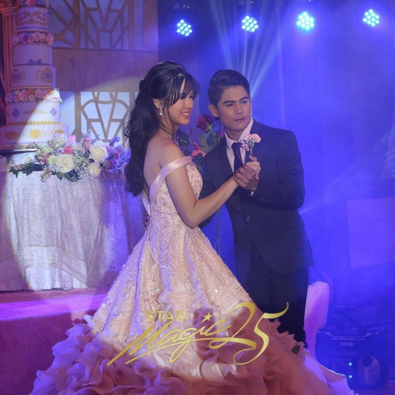 IN PHOTOS: The fairy tale like debut of Kisses Delavin