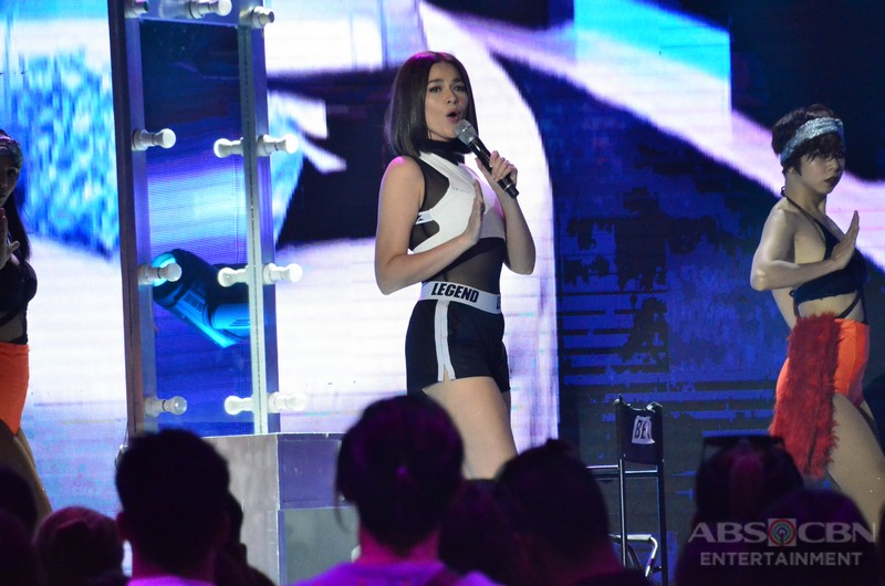 PHOTOS: Sexier and bolder Bea Alonzo at the Star Magic 25th Anniversary Party