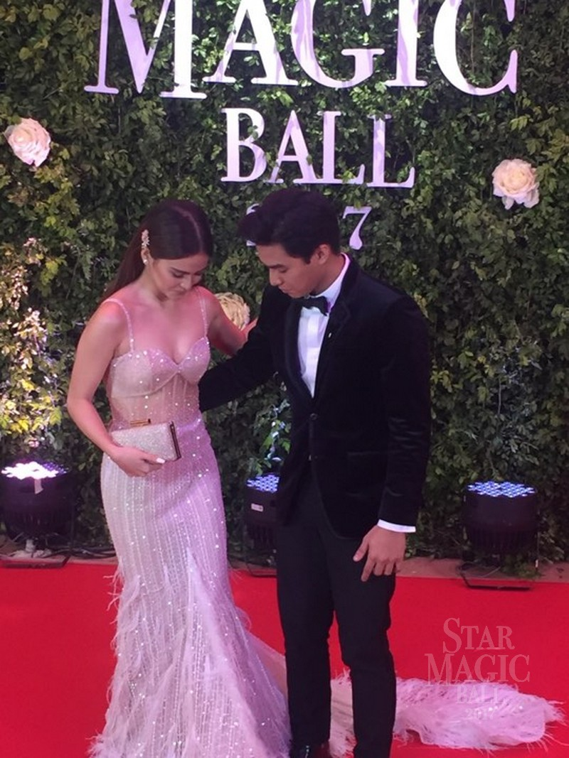 PHOTOS: Kapamilya love Teams bring glitz, glamour and kilig to Star Magic Ball