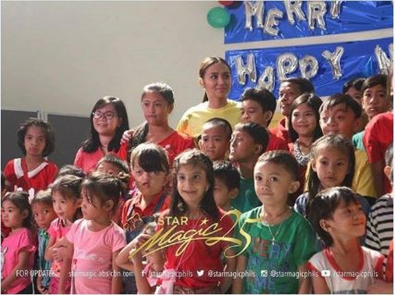 LOOK: Kathryn Bernardo shares her blessings to the kids of Noordhoff Craniofacial Foundation