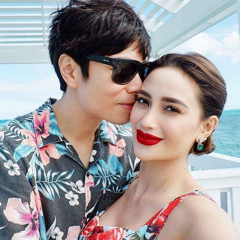 """Lucky in love! Just 32 photos of Arci with her """"husband"""""""