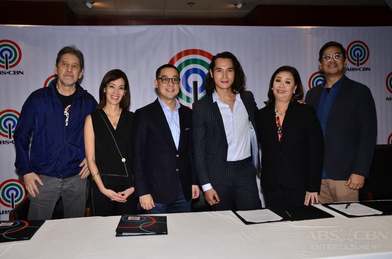 PHOTOS: Jake Cuenca renews contract with ABS-CBN