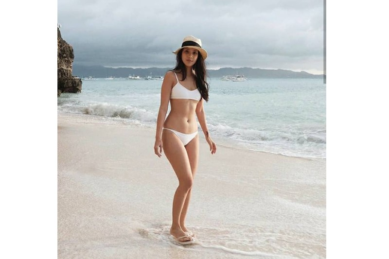 Pak! Here are some photos of Maxene Magalona showing off her curves!