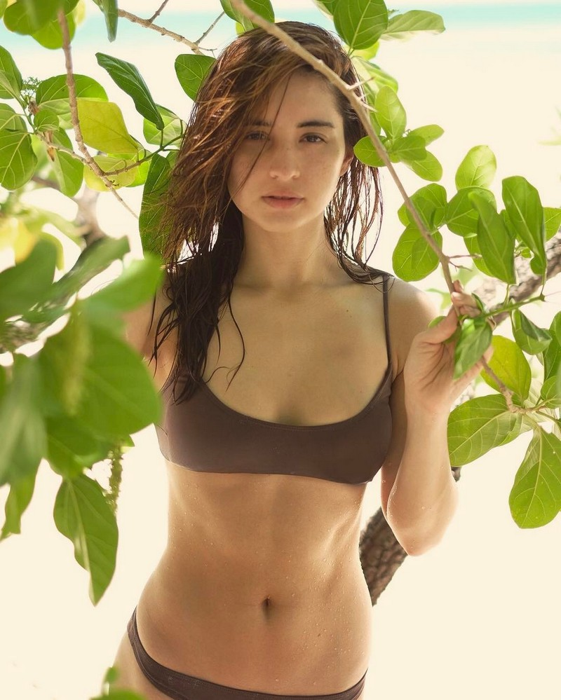 These sexy photos of Coleen Garcia are just perfect for the rainy weather!