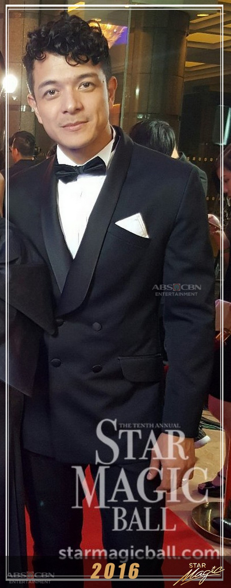 How Jericho Rosales rocked the classic suit and tie in his Star Magic Ball stints