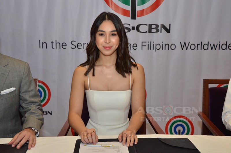 PHOTOS: Julia Barretto renews contract with ABS-CBN